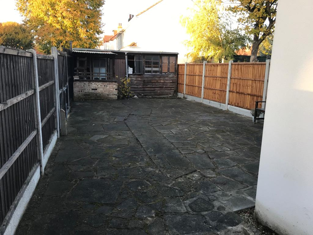 A-Z Clean Repair - Patio tidy up- photos before and after. (10)