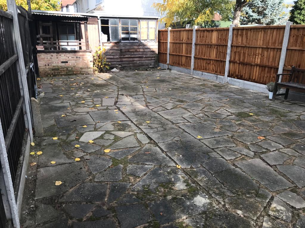 A-Z Clean Repair - back patio jet washing - photos before and after. (3)