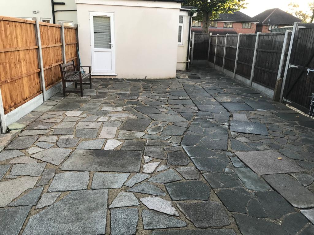 A-Z Clean Repair - back patio jet washing - photos before and after. (4)