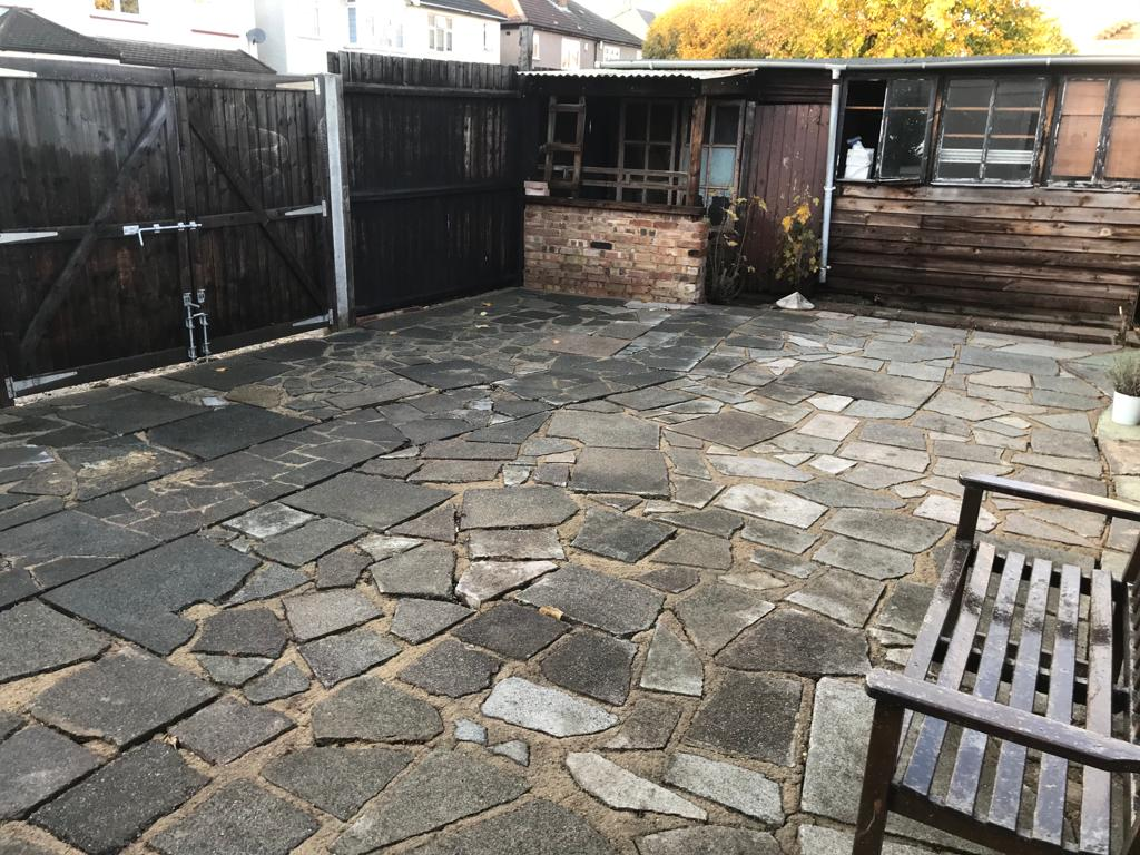 A-Z Clean Repair - back patio jet washing - photos before and after. (8)