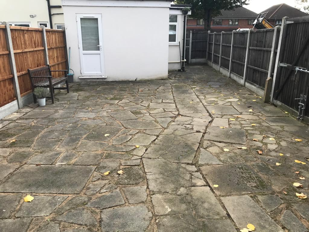 A-Z Clean Repair - back patio jet washing - photos before and after. (9)
